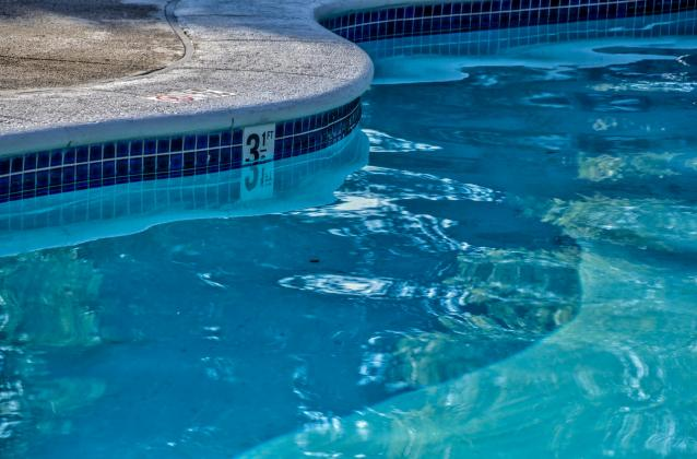 Nederland closes public pool after employee tests positive for COVID-19.