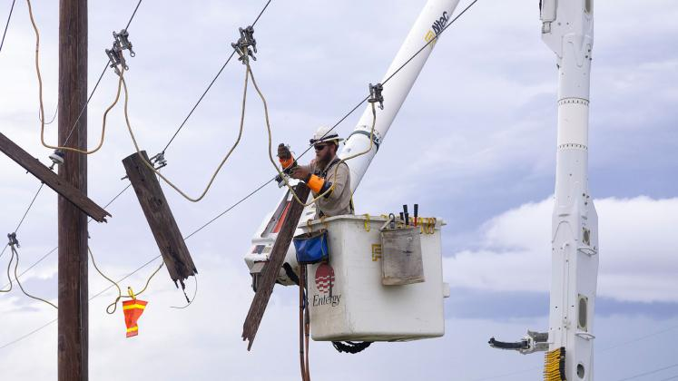 Entergy Texas restores power to Southeast Texas (Entergy Texas photo)