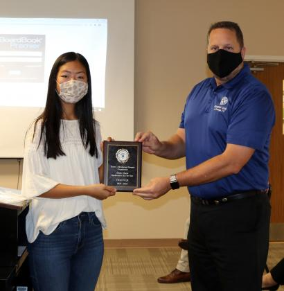 Kiwanis selects LCM's Tracy Qi as Sophomore of the Year.